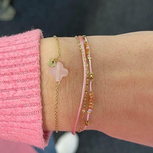 Made by Mila | Armband 3 kettinkjes goud roze - Go Dutch label 1