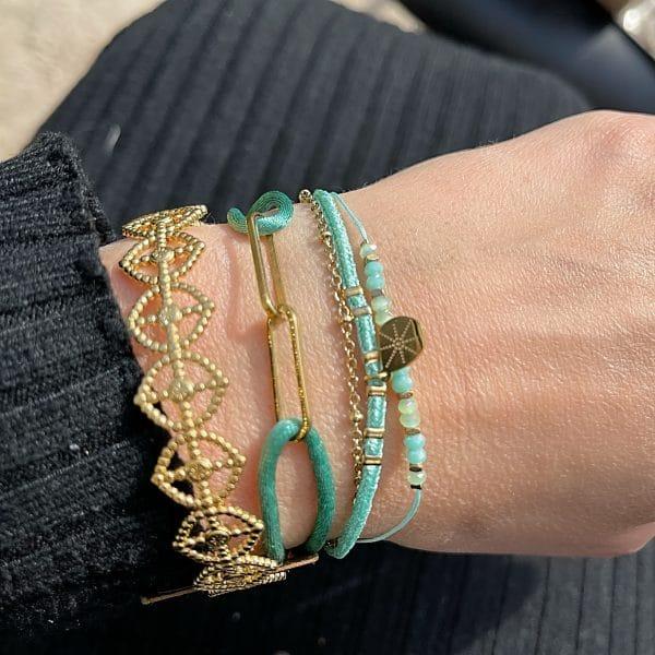 Made by Mila | Armband 3 kettinkjes goud aqua - Go Dutch label 2