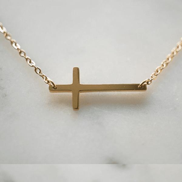 Made by Mila   Ketting kruisje goud - ZAG Bijoux 1