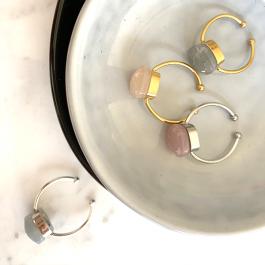 Ring blauwe steen zilver – Mila