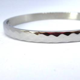 Armbanden Slavenarmband hammered zilver Go Dutch Label