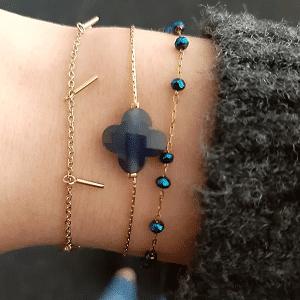 gouden armbanden met blauwe steentjes Go Dutch Label