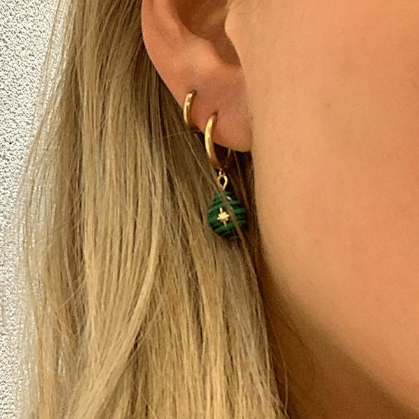 Gouden oorbellen met groene ster Go Dutch Label