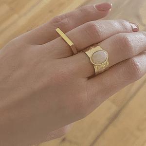 draag foto gouden ringen zag bijoux