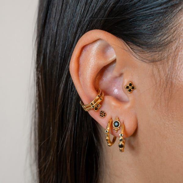 Made by Mila | Black zirconia ear cuff in goud- Eline Rosina Oorbellen 2