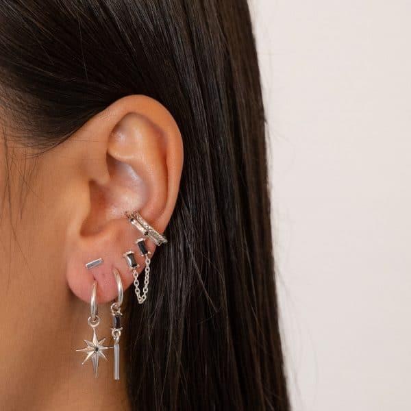 Made by Mila | Single baguettes chain earring zilver - Eline Rosina Oorbellen 2