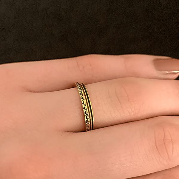 gouden ringen zwarte style