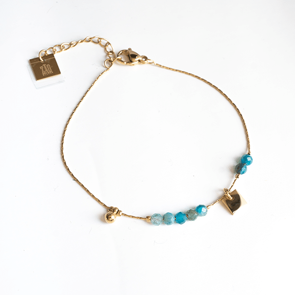 Made by Mila | Armband goud met kleine turqoise steentjes - ZAG Bijoux 1