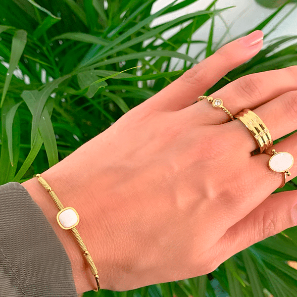 Made by Mila | Ring enkel twisted round goud - ZAG bijoux 3