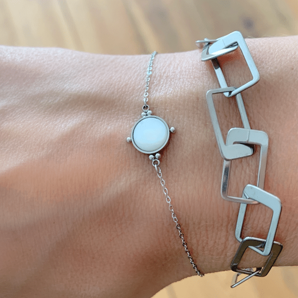 Made by Mila | Armband zilver parel steen - ZAG Bijoux 2
