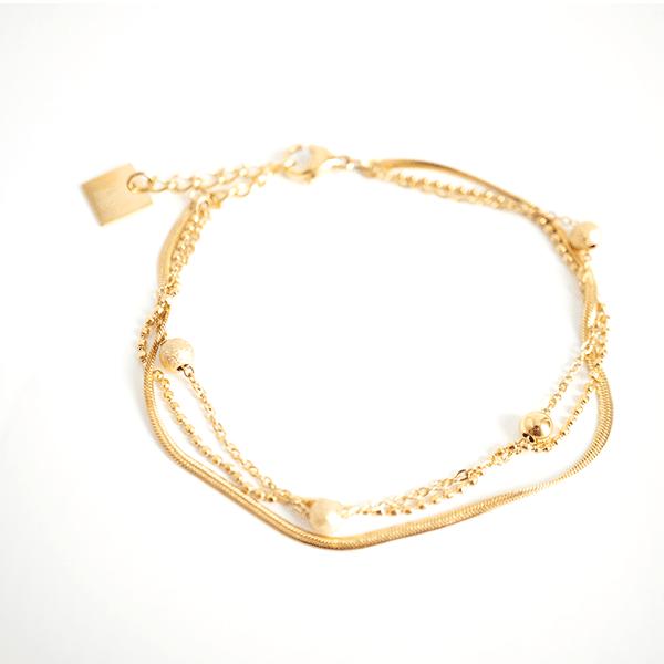 Made by Mila | Armband goud drie kettinkjes divers - ZAG Bijoux 1