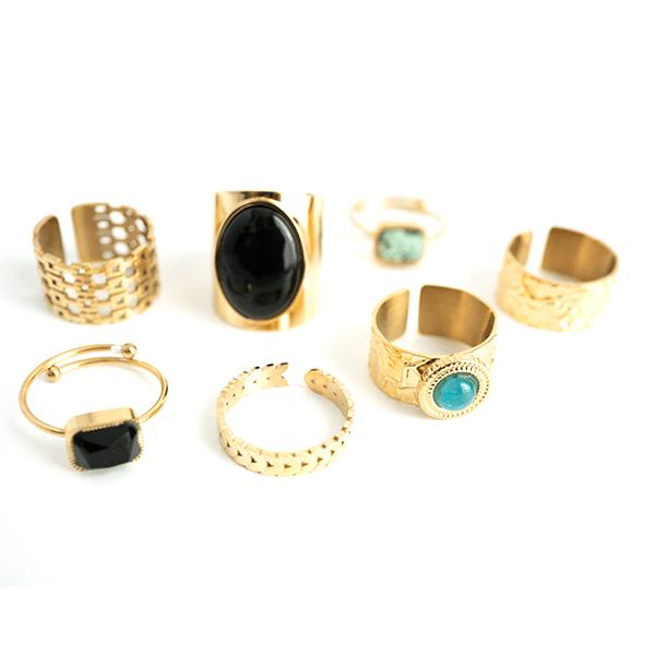 Made by Mila | Verstelbare gouden Onyx ring- ZAG Bijoux 4