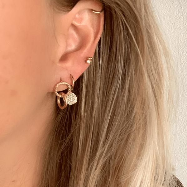 Made by Mila | Oorbellen hoops rondje zirkonia goud - Go Dutch Label 2
