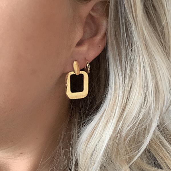 Made by Mila | Oorbellen hanger goud- Go Dutch Label 1