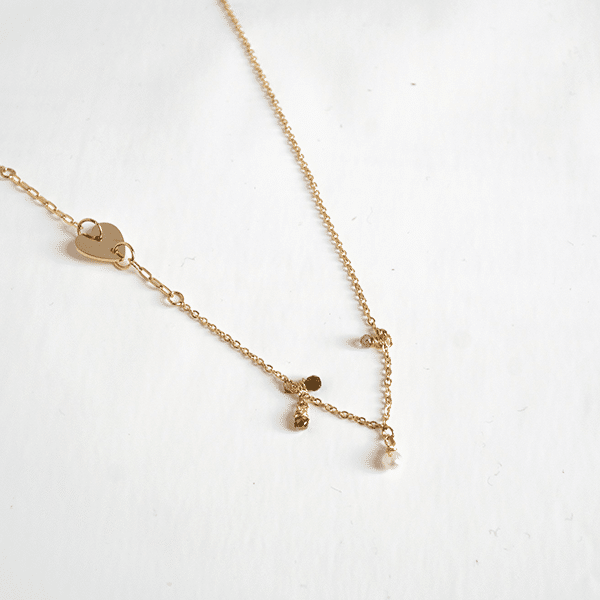 Made by Mila | Ketting pearls & heart goud - ZAG Bijoux 1
