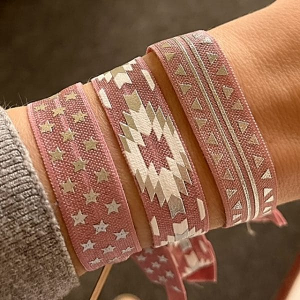 Made by Mila | Armband elastisch print wit roze- Go Dutch label 2