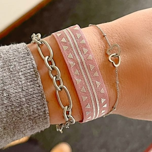 Made by Mila | Armband elastisch driehoek print roze- Go Dutch label 2