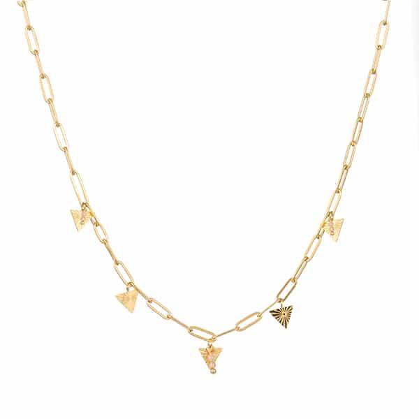 Made by Mila | Ketting schakel goud met hangende driehoekjes en roze steentjes. Go Dutch Label 1