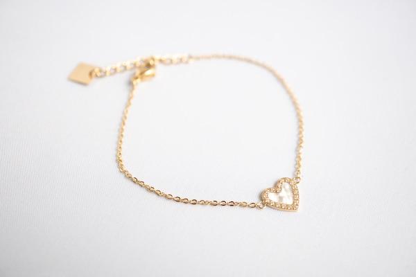 Made by Mila | Armband goud wit hartje - ZAG Bijoux 1