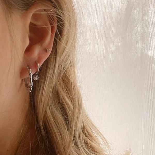 Made by Mila | Oorbellen hoops chains zilver- Go Dutch Label 2