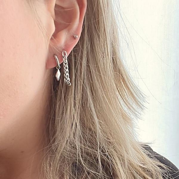 Made by Mila | Oorbellen hoops driehoek zilver - Go Dutch Label 2