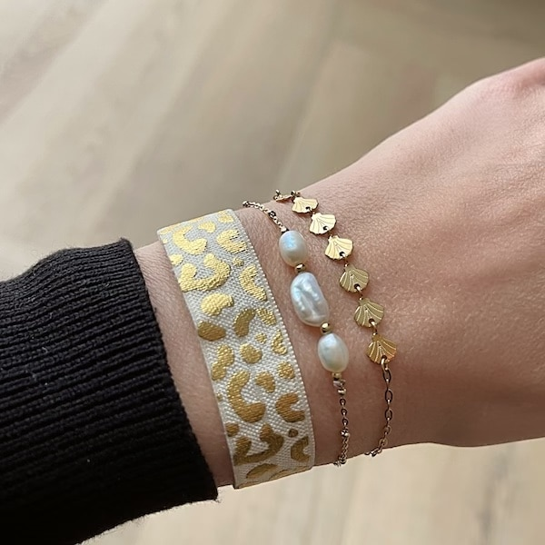 Made by Mila | Armband goud parelmoer steentje- Go Dutch label 2