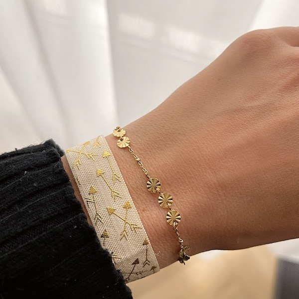 Made by Mila | Armband elastisch arrow wit goud- Go Dutch label 3