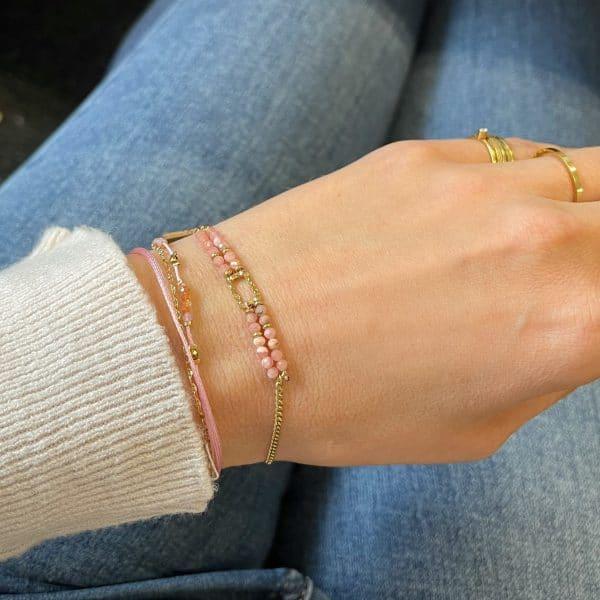Made by Mila | Armband goud roze steentjes - Go Dutch label 1