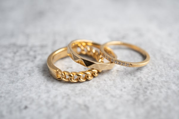 Made by Mila | Ring goud 'Hooked gold Steel' - Charmin's 2