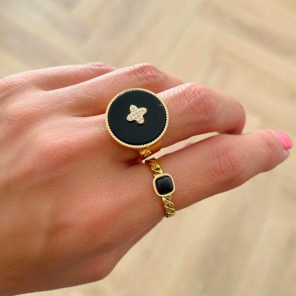 Made by Mila | Verstelbare leave gouden ring zwart- ZAG Bijoux 2
