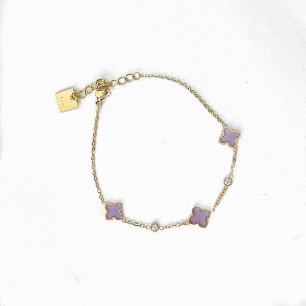 Made by Mila   Armband goud met kleine paarse klavertjes - ZAG Bijoux 1