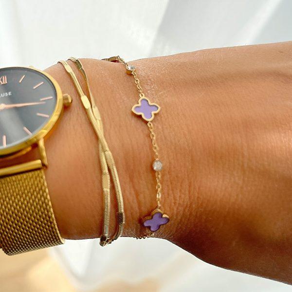 Made by Mila   Armband goud met kleine paarse klavertjes - ZAG Bijoux 2