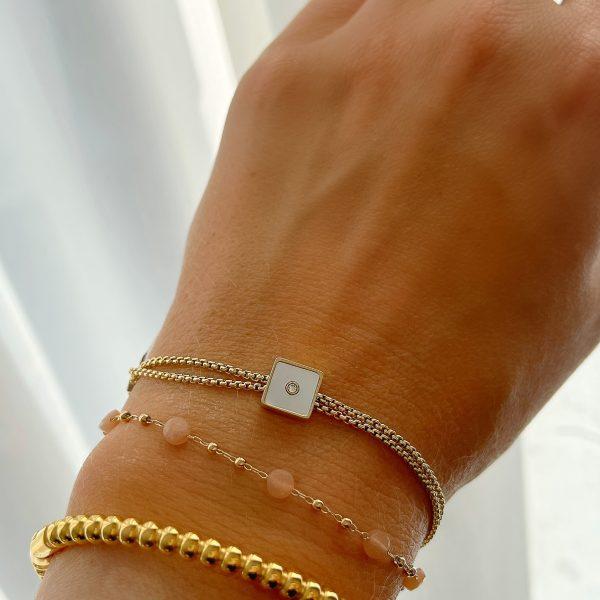 Made by Mila | Armband goud vierkant parelmoer- ZAG Bijoux 3