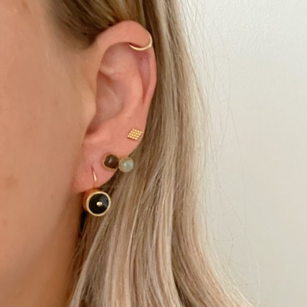 Made by Mila | Oorbellen goud met grijs bruine steentjes- ZAG Bijoux 4