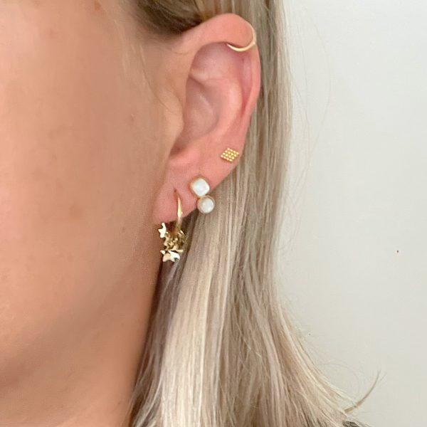 Made by Mila | Oorbellen goud met parelmoer steentjes- ZAG Bijoux 3